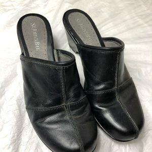 St. John's Bay Black Leather Clogs Sz 8